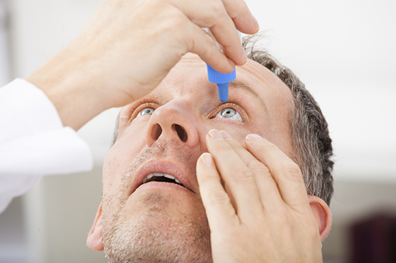 patient-with-cataract-eye-drops