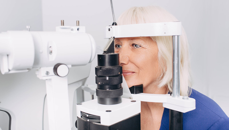woman getting glaucoma exam