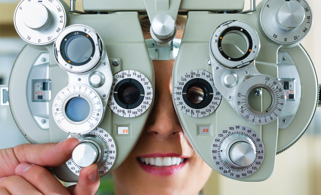 comprehensive-eye-exam-patient